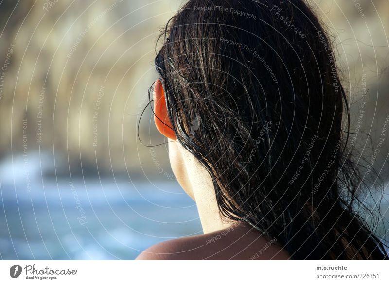warme schulter Mensch Jugendliche Sommer Ferien & Urlaub & Reisen Meer feminin Kopf Haare & Frisuren Küste Erwachsene Haut nass Ohr Schönes Wetter Sonnenbad