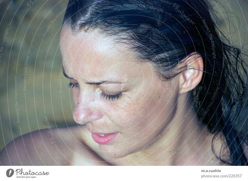 show, don't tell Mensch Jugendliche schön Gesicht Auge feminin Kopf Haare & Frisuren Erwachsene Mund Haut Nase ästhetisch natürlich Ohr Lippen