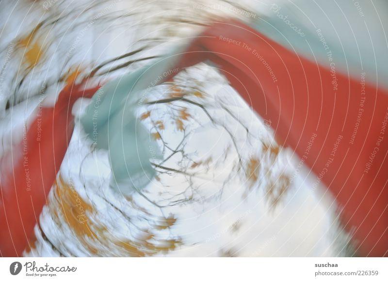 ein bisschen (w)irrsinn .. Umwelt Natur Luft Himmel Herbst Wetter Baum Bewegung drehen blau rot Ast Blatt Tuch Stoff Farbfoto mehrfarbig Außenaufnahme