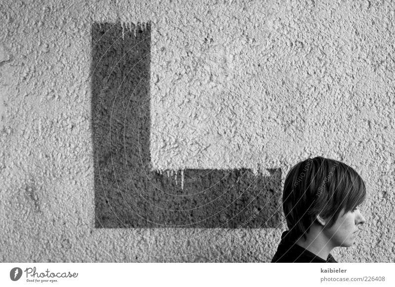 L Mensch Frau Jugendliche Einsamkeit Erwachsene Leben Wand Graffiti grau Kopf Mauer Fassade wandern Schriftzeichen Buchstaben 18-30 Jahre