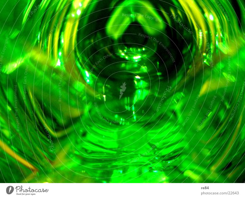 green water flash Wasser grün hell glänzend Glas Freizeit & Hobby Statue Flasche durchsichtig Becher Pfand Pfandflasche