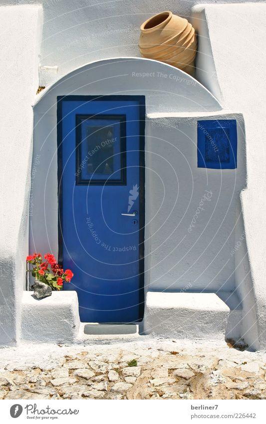 Blau - weiss , die Farben Santorinis weiß blau Sommer Ferien & Urlaub & Reisen ruhig Haus Fenster Architektur hell Tür geschlossen Tourismus Europa