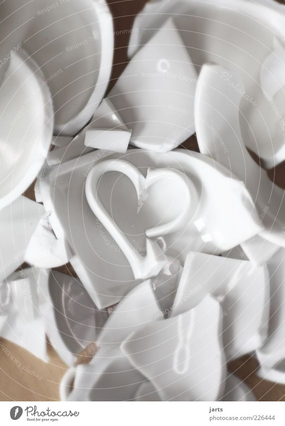zerbrochen weiß Liebe Herz kaputt Geschirr Tasse gebrochen Liebeskummer Haufen Scherbe Feste & Feiern Porzellan