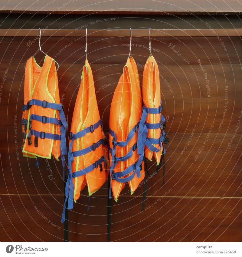 Bademode 2015 Bekleidung Arbeitsbekleidung Schutzbekleidung Schwimmen & Baden Sport orange Schwimmweste SOS Kleiderschrank Kleiderbügel Menschenleer Sicherheit