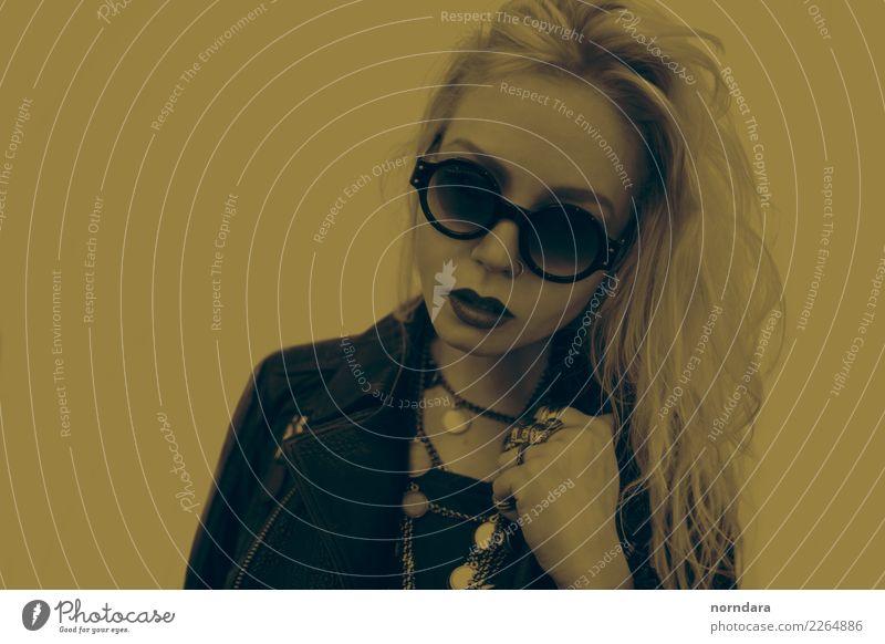 Eeerock kaufen Reichtum elegant Stil Design schön Lippenstift feminin 1 Mensch Mode Jacke Leder Accessoire Schmuck Ring Piercing Brille Sonnenbrille Halskette
