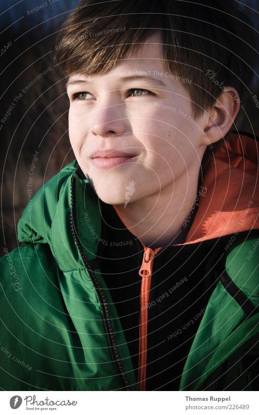 Es blendet etwas Mensch Kind Jugendliche grün Junge Zufriedenheit warten Kindheit maskulin authentisch Jacke 8-13 Jahre Reißverschluss sympathisch androgyn
