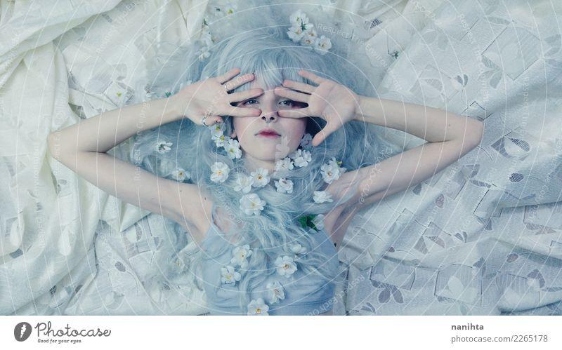 Künstlerisches Porträt einer jungen Frau der Fee exotisch schön Haare & Frisuren Gesicht harmonisch Sinnesorgane Erholung ruhig Mensch feminin Junge Frau