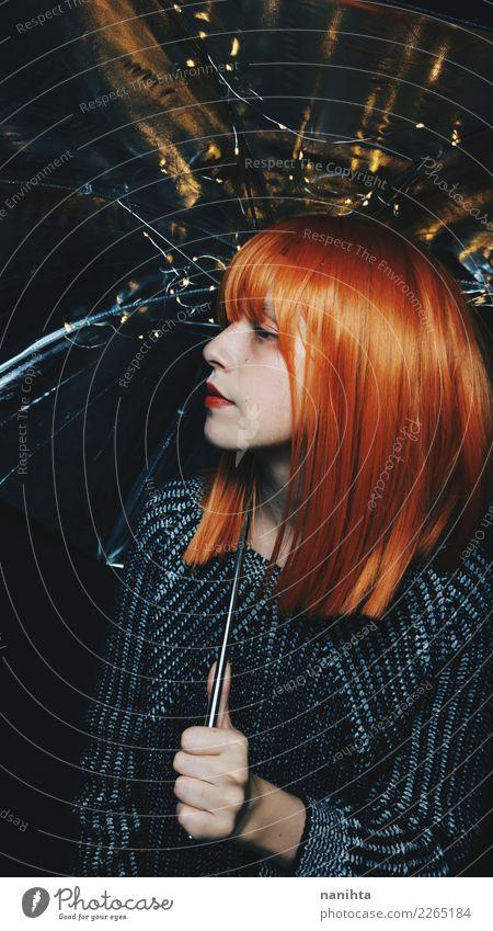 Künstlerisches Portrait einer jungen Frau mit einem Regenschirm Stil Design Haare & Frisuren Mensch feminin Junge Frau Jugendliche 1 18-30 Jahre Erwachsene