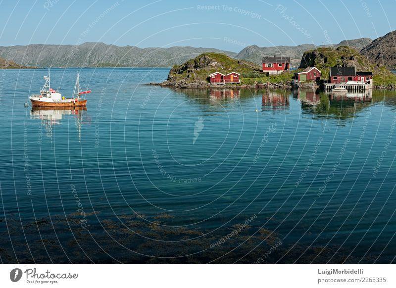 Honningsvåg in Norwegen Ferien & Urlaub & Reisen Tourismus Ausflug Sommer Berge u. Gebirge Haus Natur Landschaft Himmel Hügel Fjord See Motorboot Wasserfahrzeug