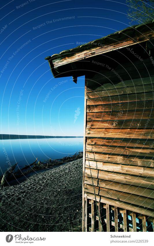 Draussen am See III harmonisch Wohlgefühl Erholung ruhig Ferne Freiheit Haus Umwelt Natur Landschaft Wasser Himmel Schönes Wetter Küste Seeufer Blick Holzhütte