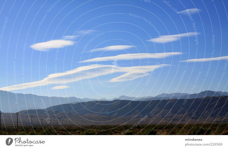 Wolken-Egel Umwelt Natur Landschaft Luft Himmel Klima Wetter Schönes Wetter Dürre Sträucher Hügel Felsen Berge u. Gebirge Schlucht Wüste Ferne Unendlichkeit