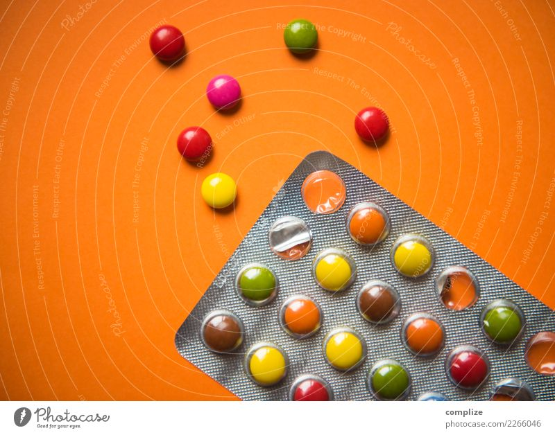Party Pillen Freude Farbstoff lustig Glück Feste & Feiern Ernährung Musik Tanzen Jugendkultur Medikament Veranstaltung Karneval Stress Schokolade Rauschmittel