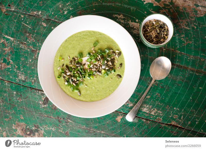 grüne Suppe Lebensmittel Gemüse Eintopf Brokkoli Getreide Samen Schnittlauch Kürbiskern Ernährung Essen Mittagessen Abendessen Bioprodukte