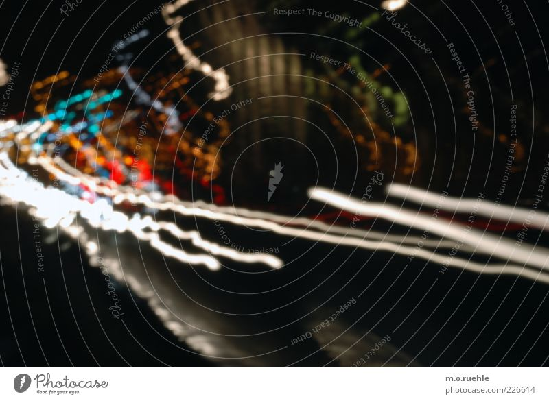 we are speed Straße dunkel Bewegung PKW Energie Verkehr ästhetisch Geschwindigkeit Streifen leuchten fahren Vergänglichkeit Güterverkehr & Logistik Verkehrswege Stress chaotisch