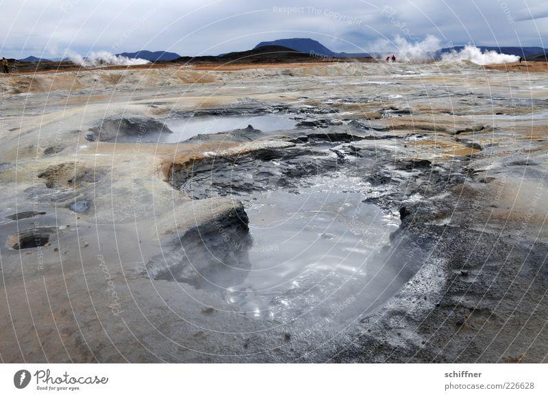 Nix zum baden Natur Landschaft Urelemente Erde Wasser Wolken Horizont schlechtes Wetter Wind Felsen Vulkan Rauchen bedrohlich Wärme stinkend Blubbern