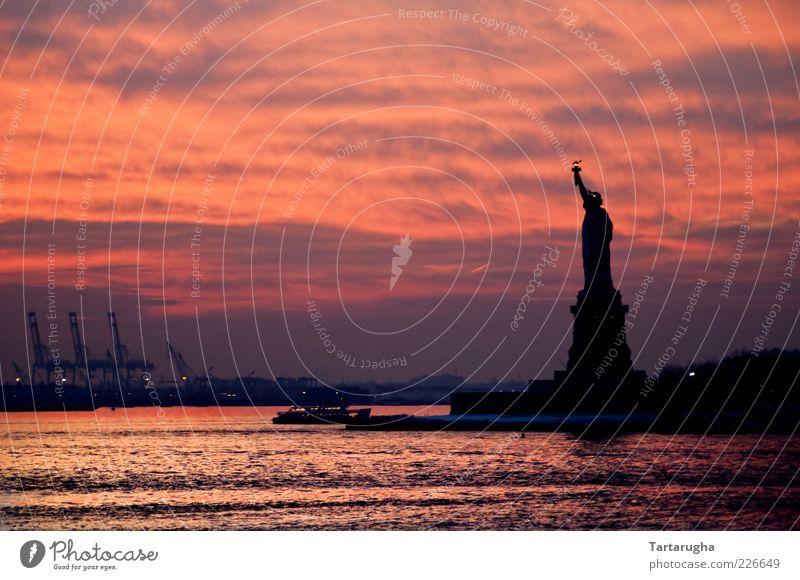 Sunset of Liberty Wasser schön Himmel Stadt rot Ferien & Urlaub & Reisen Wolken Küste Ausflug Insel Tourismus USA Fluss Amerika Denkmal Bauwerk
