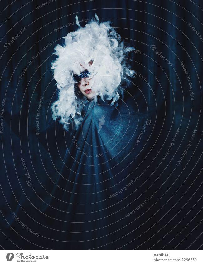 Mensch Jugendliche Junge Frau blau schön weiß dunkel schwarz feminin Kunst Stimmung Angst Kultur Kreativität Feder fantastisch