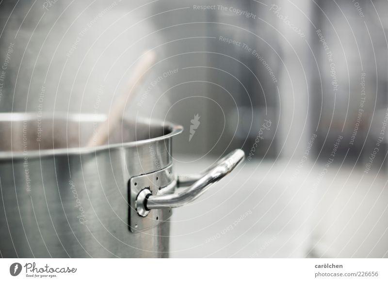 Was gibts heute? Topf grau Stahl Griff Wasserdampf Küche Gastronomie kochen & garen Farbfoto Gedeckte Farben Detailaufnahme Menschenleer Textfreiraum rechts