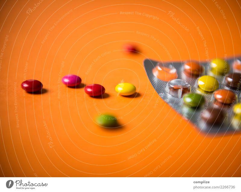 Bunte Pillen Gesunde Ernährung Freude Gesundheit Gesundheitswesen Lebensmittel Feste & Feiern Party Tanzen trinken Medikament Rauschmittel Club Disco Sucht
