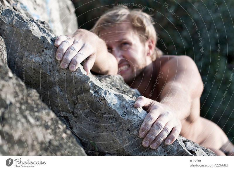 mr. pischare Klettern Bergsteigen maskulin Junger Mann Jugendliche Körper 1 Mensch Natur Felsen berühren Bewegung festhalten hängen eckig muskulös oben