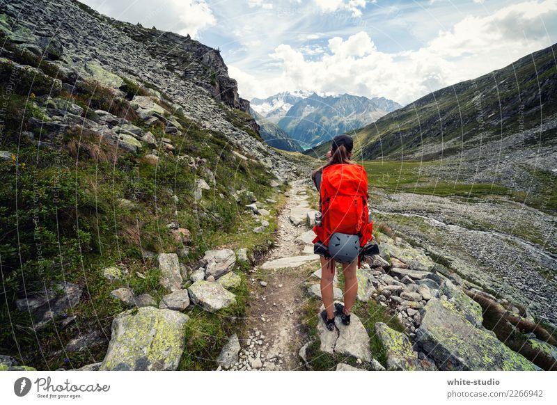 Ausblick Frau Natur Ferien & Urlaub & Reisen Sommer rot Einsamkeit Ferne Berge u. Gebirge Erwachsene Umwelt Wege & Pfade Tourismus Freiheit Ausflug wandern