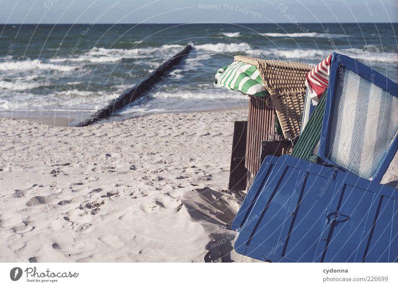 Gestrandet Natur Meer blau Strand Ferien & Urlaub & Reisen ruhig Einsamkeit Ferne Erholung Freiheit Sand Landschaft Zufriedenheit Wellen Wind Umwelt