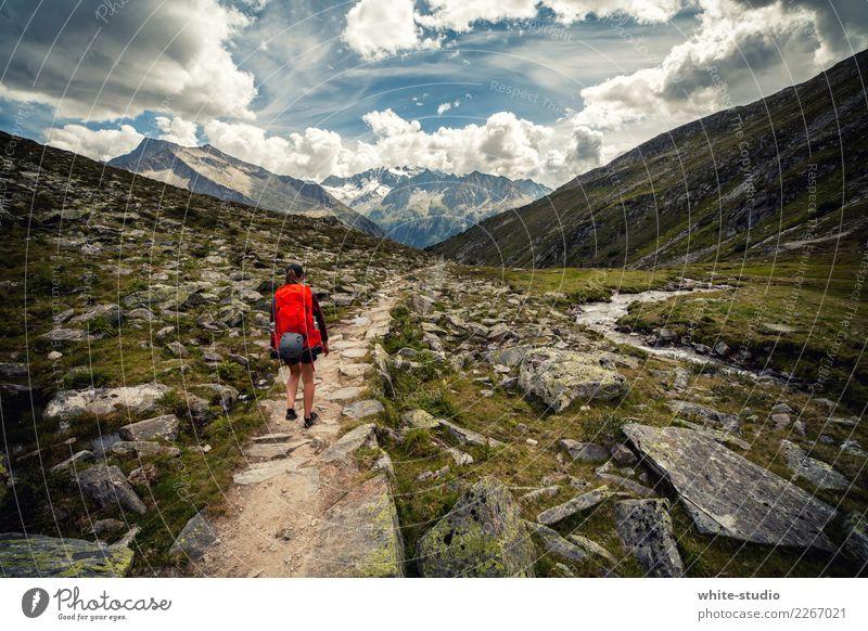 Bergzeit Frau Ferien & Urlaub & Reisen Sommer Sonne Erholung ruhig Ferne Berge u. Gebirge Erwachsene Lifestyle Gesundheit Tourismus Freiheit Ausflug