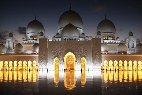 Scheich Zayid Moschee I Ferien & Urlaub & Reisen Stadt Architektur leuchten träumen glänzend elegant ästhetisch Abenteuer Platz Turm Macht Dach Sehenswürdigkeit