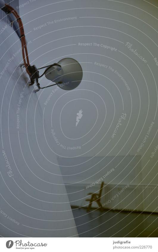 Reise Lautsprecher Klima Nebel Schifffahrt Kreuzfahrt Passagierschiff Kreuzfahrtschiff Fähre An Bord dunkel Stimmung Farbfoto Gedeckte Farben Außenaufnahme