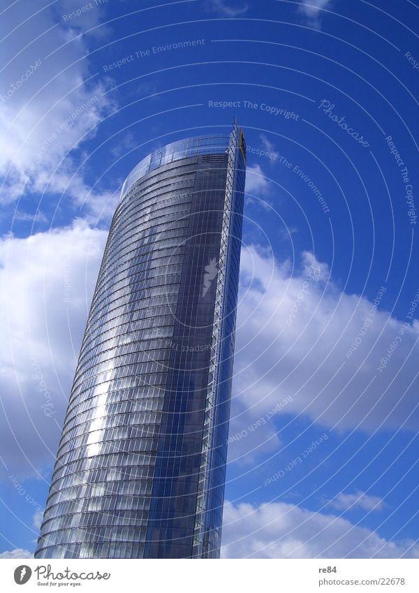 wolken kratzen für fortgeschrittene Bonn Nordrhein-Westfalen Hochhaus Wolken grau Macht Etage Architektur Rheinaue Turm Glas Himmel blau hoch groß Sonne