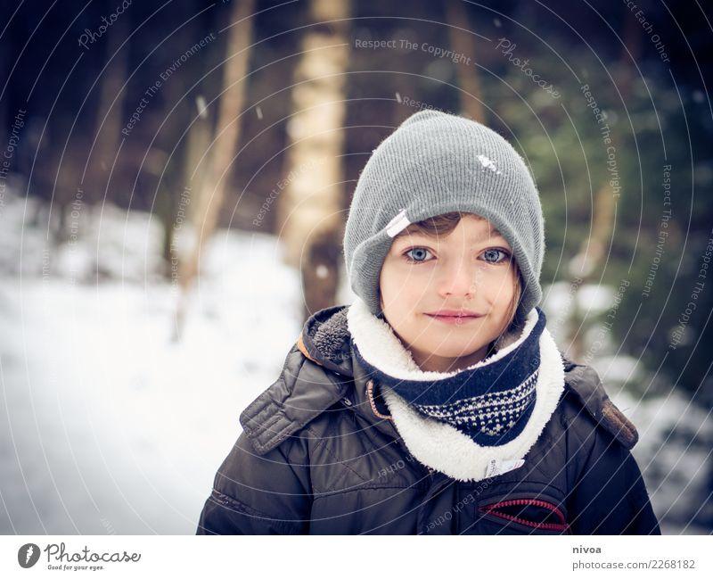 schneekund Kind Mensch Natur Landschaft Baum Winter Wald Umwelt Liebe Schnee Junge Stimmung gehen Schneefall maskulin Kindheit