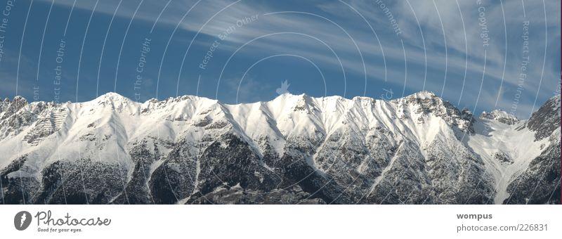 Postkartenwetter Natur Landschaft Himmel Wolken Winter Schönes Wetter Wind Schnee Felsen Alpen Berge u. Gebirge Gipfel Schneebedeckte Gipfel blau weiß Farbfoto