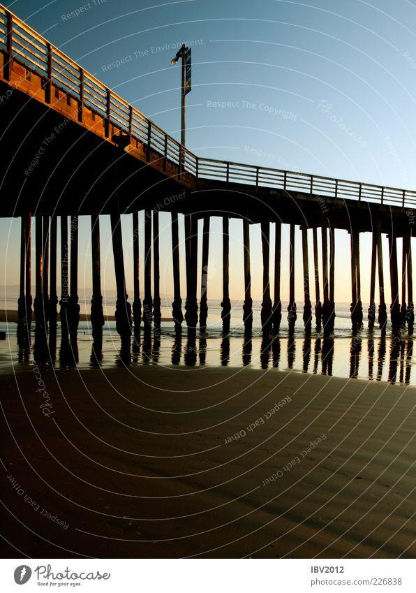 under the pier Ferien & Urlaub & Reisen Strand Meer Sand Wasser Küste ruhig Erholung Kalifornien Anlegestelle Brücke Brückenpfeiler Konstruktion USA Amerika