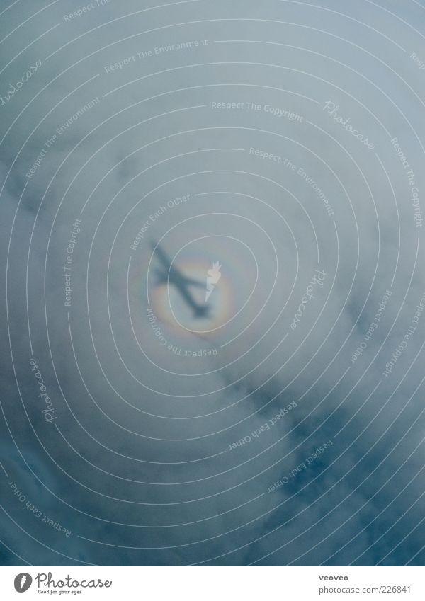 ein schatten unserer selbst Himmel Wolken Ferne Luft außergewöhnlich Verkehr Urelemente Flugzeug einzigartig Flugangst Surrealismus Klimawandel mystisch