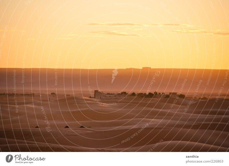 Wüste Himmel Natur Wolken ruhig Einsamkeit Ferne Umwelt Landschaft Sand Stimmung Horizont Zeit Klima Wandel & Veränderung Vergänglichkeit Wüste
