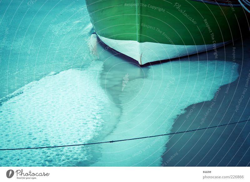 Anliegen Schnee Seil Umwelt Urelemente Klima Eis Frost Hafen Wasserfahrzeug kalt blau Kahn Anlegestelle Schneedecke Schiffsrumpf Meer gefroren Strand gestrandet