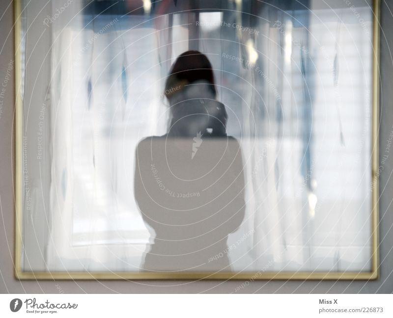 Miss X Mensch 1 dünn Fotografieren Spiegel Spiegelbild Rahmen Innenaufnahme Silhouette Reflexion & Spiegelung Unschärfe Oberkörper Tag