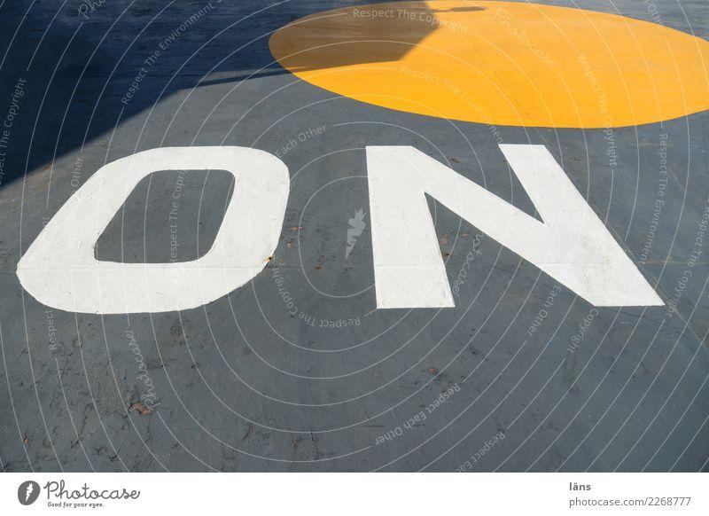 on gelb grau Schriftzeichen Schilder & Markierungen Kreis Zeichen Mittelpunkt