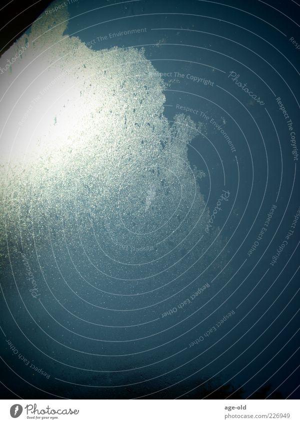 Frozen planet Himmel blau Wasser weiß schwarz Winter Luft Eis glänzend Urelemente Frost gefroren silber