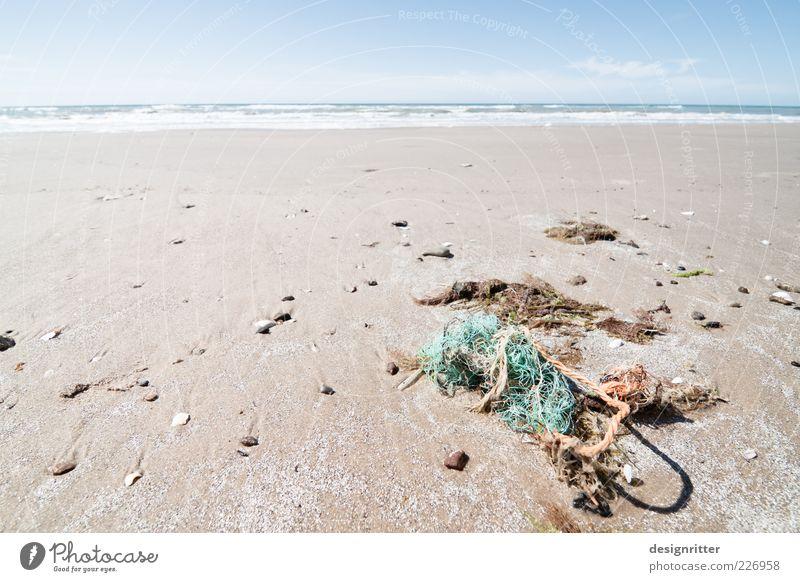 Netzwerkproblem Wasser Sommer Strand Meer Ferne Freiheit Sand Stein Küste dreckig frei Seil kaputt Netz Müll Nordsee