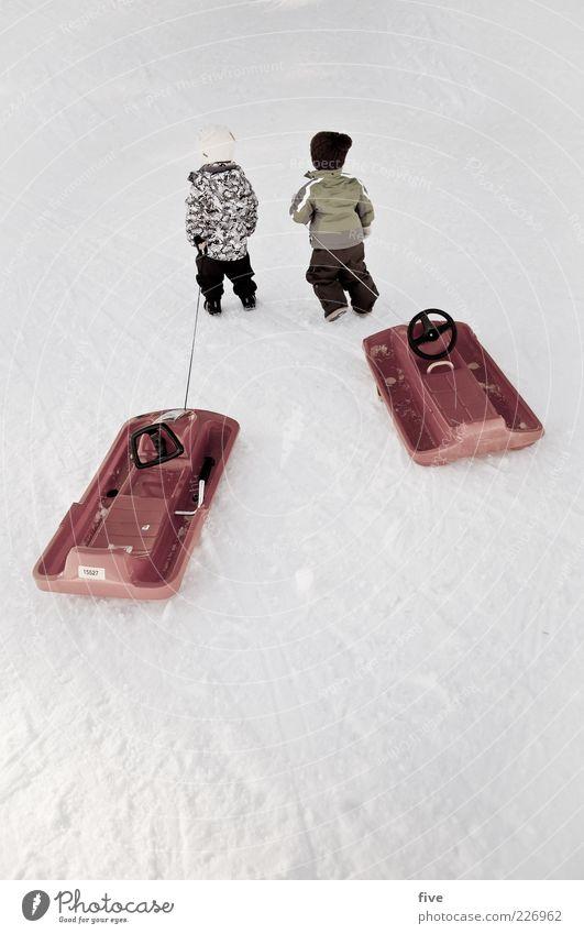 2 freunde und ihr hobby Freizeit & Hobby Spielen Kinderspiel Ausflug Abenteuer Mensch Kleinkind Junge Kindheit Leben 1-3 Jahre Natur Winter Eis Frost Schnee