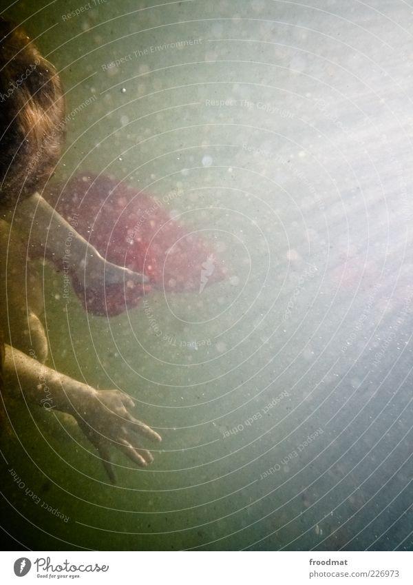 peaks Sommerurlaub Mensch Frau Erwachsene Hand Finger Wasser Sonnenlicht Schwimmen & Baden tauchen außergewöhnlich fantastisch natürlich ästhetisch Bewegung