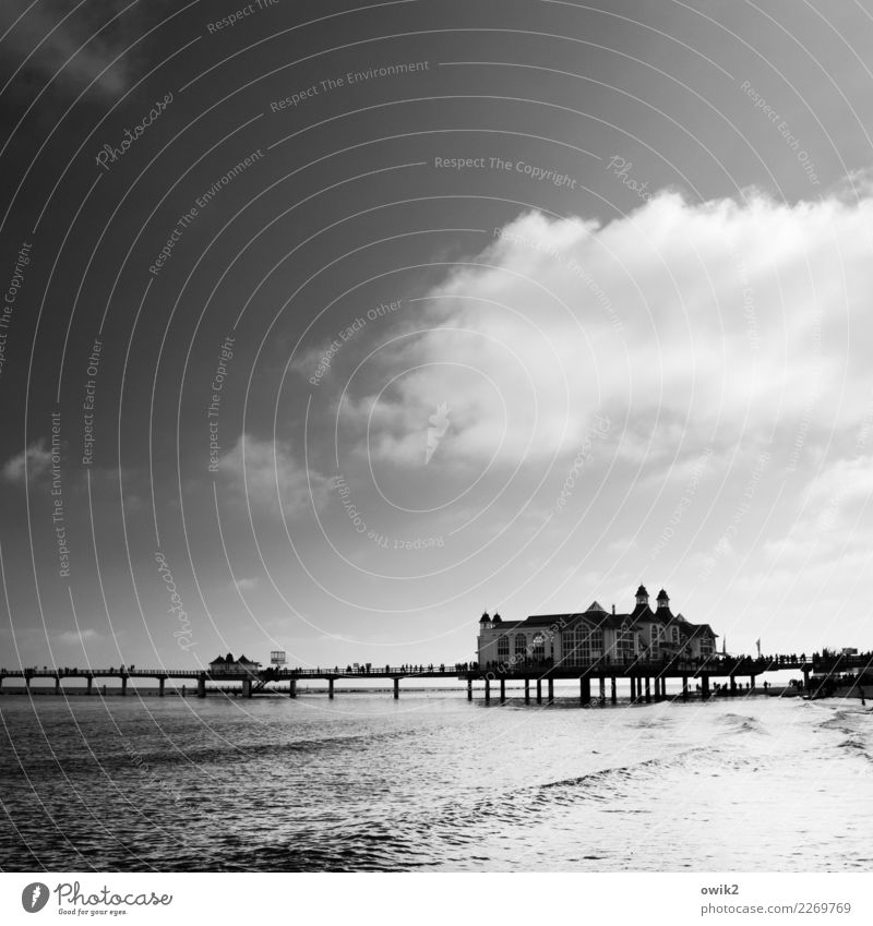 Wasserweg Himmel Landschaft Wolken Ferne Umwelt Glück Horizont Idylle Schönes Wetter Ostsee Sehnsucht maritim Seebrücke Sellin