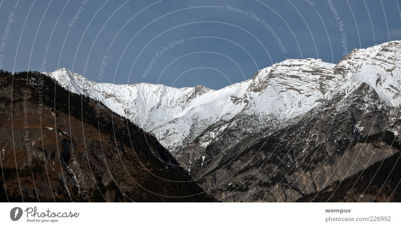 Heimat Natur Landschaft Himmel Hügel Felsen Alpen Berge u. Gebirge Gipfel Schneebedeckte Gipfel blau grau grün weiß Farbfoto Außenaufnahme Tag Ferne