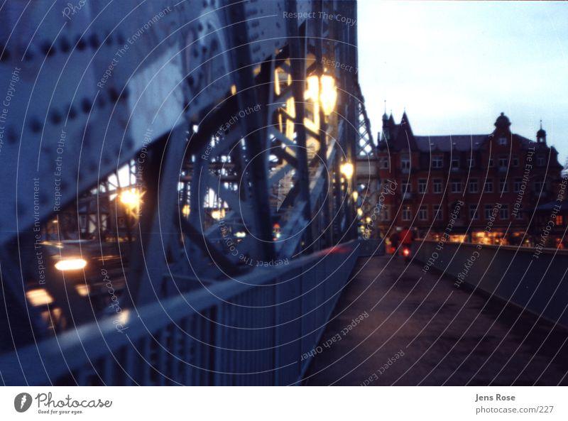 bw1 Licht Architektur Brücke Dämmerung Blaues Wunder