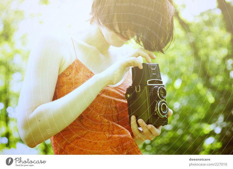 touched by the presence of your very love. Mensch feminin Junge Frau Jugendliche Erwachsene 1 18-30 Jahre Blick Lomografie lubitel 2 twin lens reflex Natur