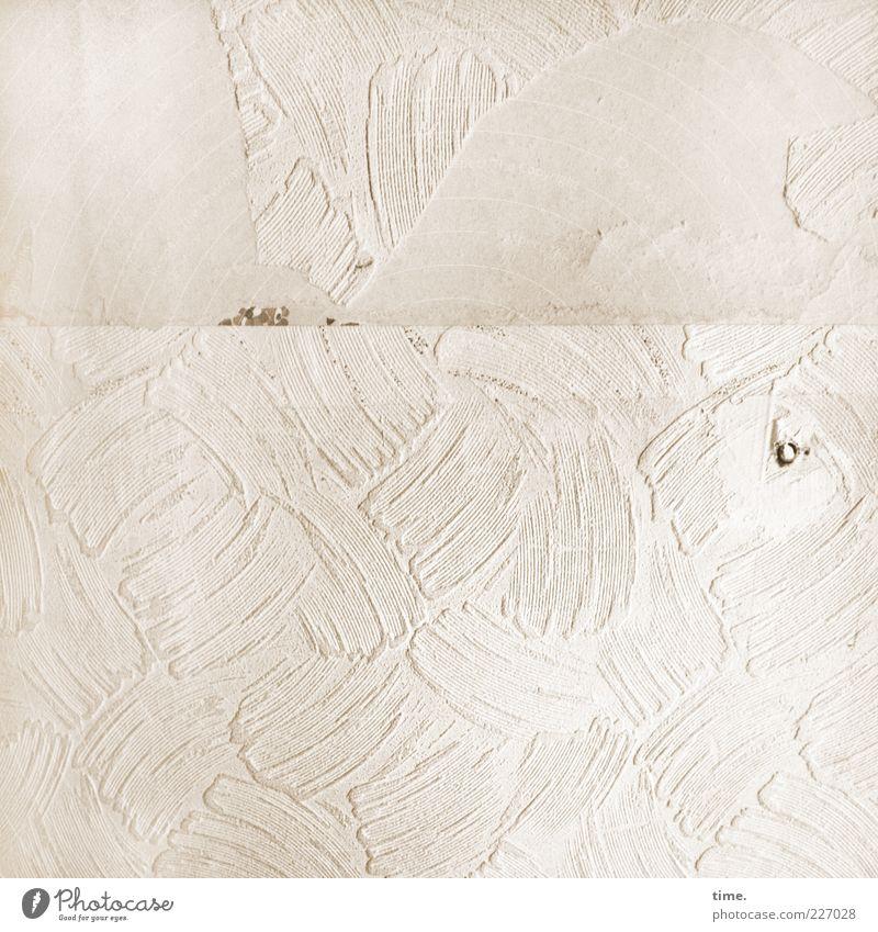 HH10.1 | Tapetenwechsel alt Wand Mauer Farbstoff hell Beton Papier kaputt Dekoration & Verzierung Loch Putz Riss Fleck beige Gips