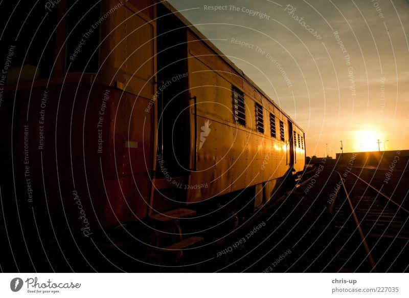 Eisenbahnromantik alt schön Sonne Ferien & Urlaub & Reisen schwarz gelb Ausflug Tourismus Gleise Verkehrswege Bahnhof Personenverkehr Verkehrsmittel Südamerika