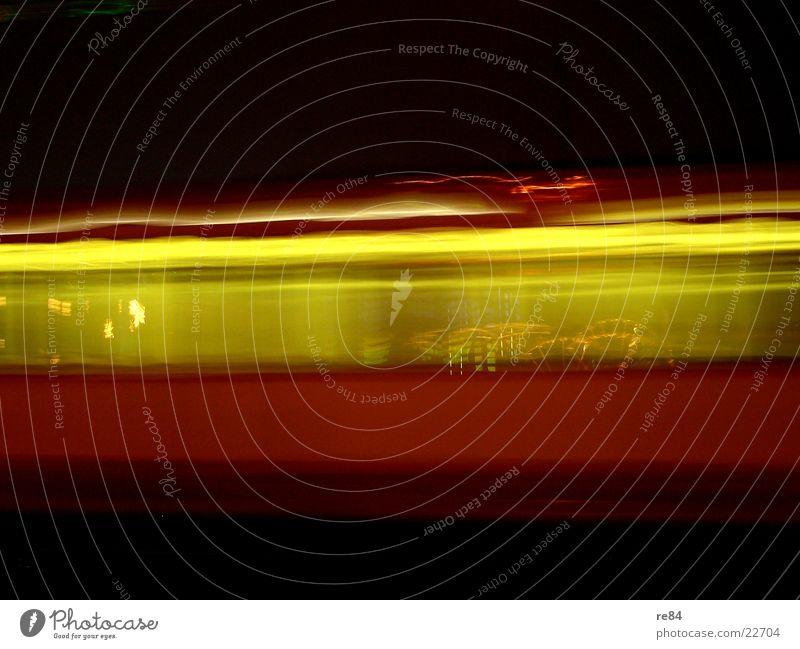 subway to the light Straßenbahn Licht Nacht Beleuchtung Geschwindigkeit Kilometer Köln Kölner Verkehrs-Betriebe Verkehrsstau Zickzack Blitze schwarz gelb rot
