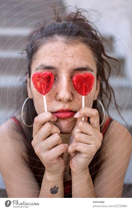 Portrait Mädchen lustig Lebensmittel Süßwaren Lifestyle schön Mensch feminin Junge Frau Jugendliche Mode Diät beobachten Lächeln lachen Liebe Freundlichkeit